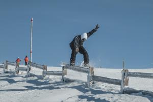 Louis Labertrande boardslide de piste